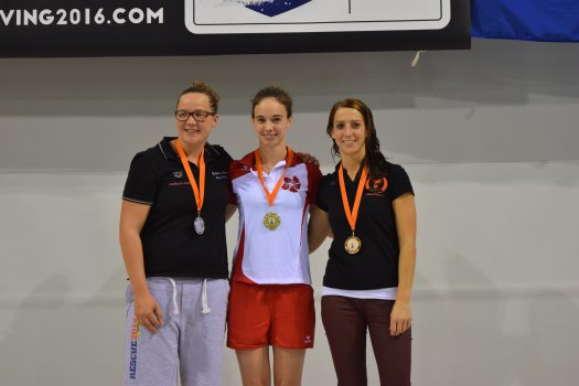 100m manikin tow with fins MASTERS 30+: 1) Anneloes PEULEN  2) Nele VANBUEL-GOFFIN 3) Ilse CLEVERS