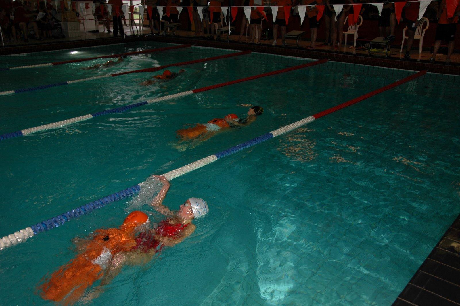 Misschien wel het zwaarste deel: popvervoeren na het onderwaterzwemmen...